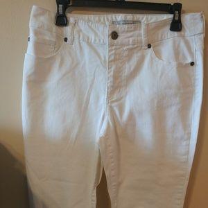 ❤️ Chico's Platinum Denim White Jeans 1 Short 30